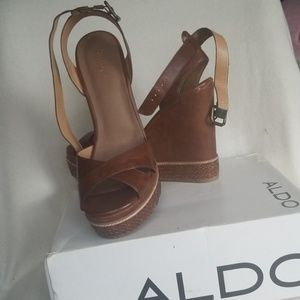 Aldo women's wedges